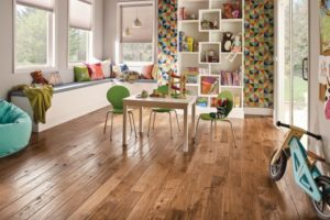 How to Pick the Right Hardwood Flooring For Spring Time